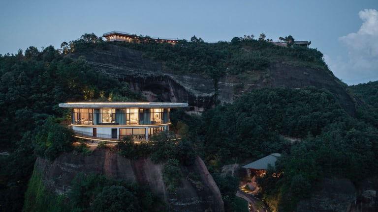 The 'Eagle Rock Cliffs' Hotel In China Is The Perfect Place To Zen Out