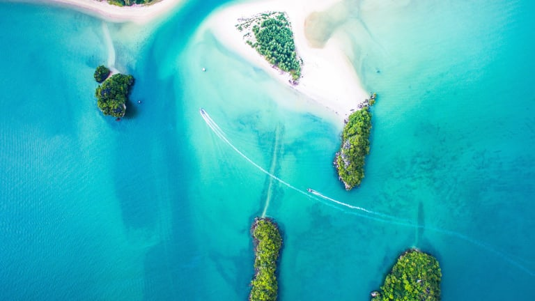 The Philippines: A Sneak Peak Into 5 of The Most Exquisite Beaches